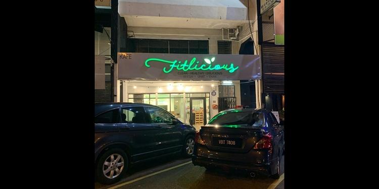 damanasara uptown cafe - 6