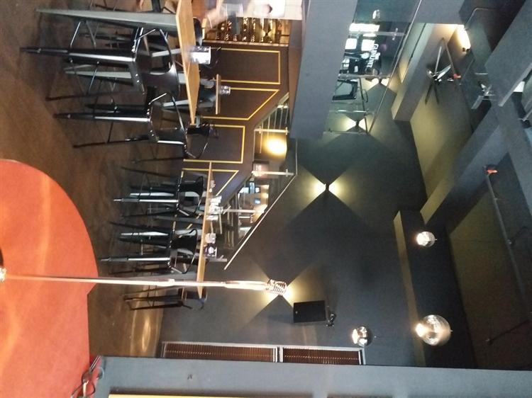 urgent lounge bar cheras - 5